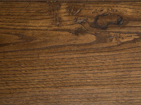 Xilotech - Verniciature applicate alle essenze legno rovere, castagno e noce – Finitura Anticata