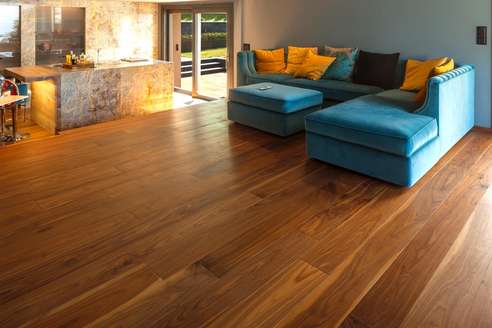 Nobili superfici lignee - Verniciatura di pavimenti in legno